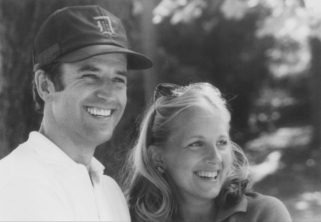 1977年に結婚。上院議員の妻、そして教師に!