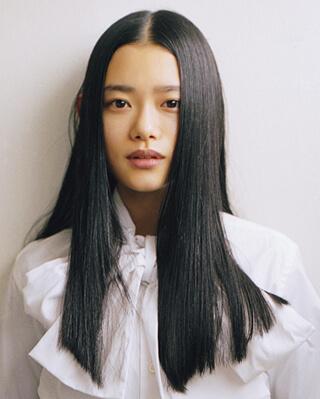 杉咲花髪を切る前の写真