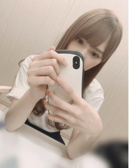 加藤史帆と七五三掛龍也の匂わせスマホケース